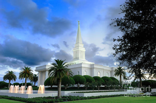 Orlando Wall Art - Photograph - Orlando Lds Temple by Laurent Lucuix