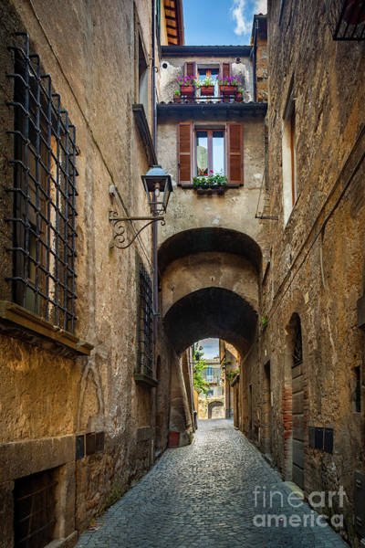 Wall Art - Photograph - Orvieto Alley by Inge Johnsson