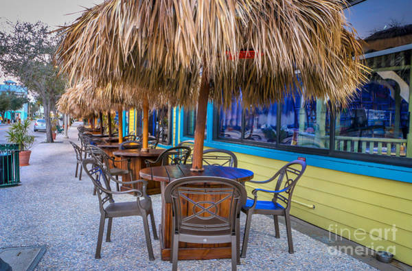 Photograph - Outdoor Dining by Tom Claud