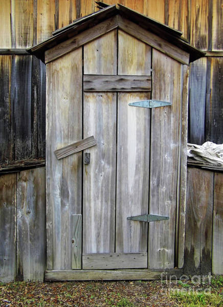 Outside Toilet Photograph - Outhouse Cracker Style by D Hackett