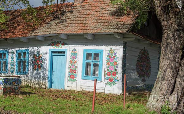 Wall Art - Photograph - Painted Cottage by Juli Scalzi