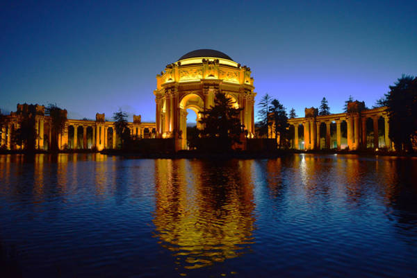 Photograph - Palace Of Fine Arts by Dragan Kudjerski