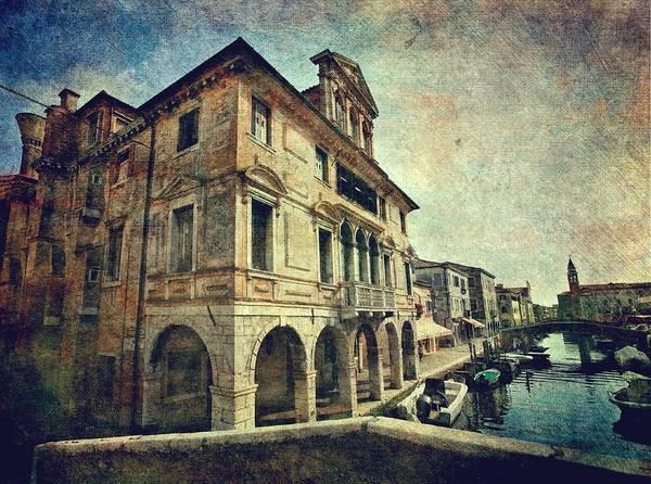 Photograph - Palazzo Lisatti - Mascheroni by Vittorio Chiampan