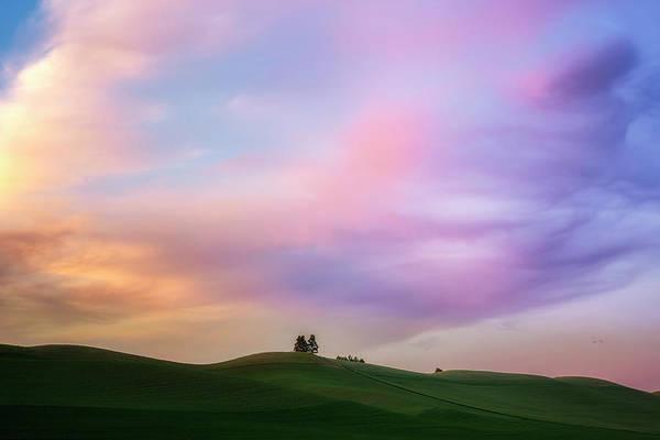 Lewiston Photograph - Palouse Cirrus Rainbow by Ryan Manuel