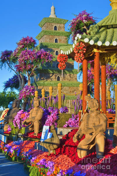 Tournament Of Roses Photograph - Parade, Floats, Pasadena Ca by David Zanzinger