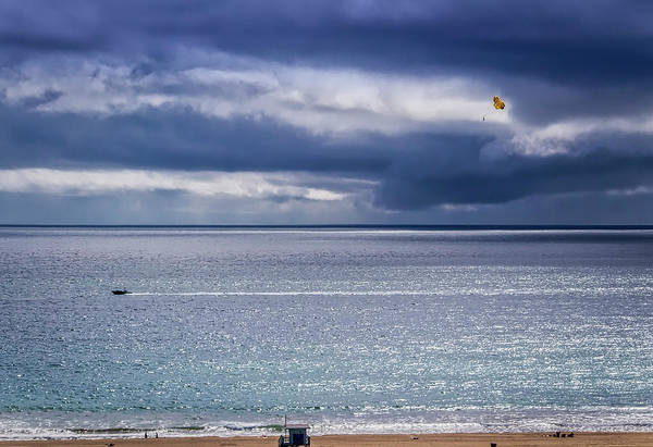 Photograph - Parasailing The Bay by Gene Parks