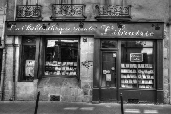 Photograph - Paris France Book Store Library Black And White by Toby McGuire
