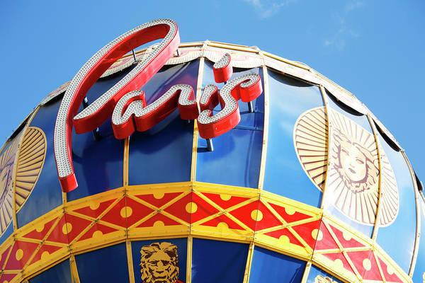 Photograph - Paris Hotel Las Vegas Balloon by Marilyn Hunt