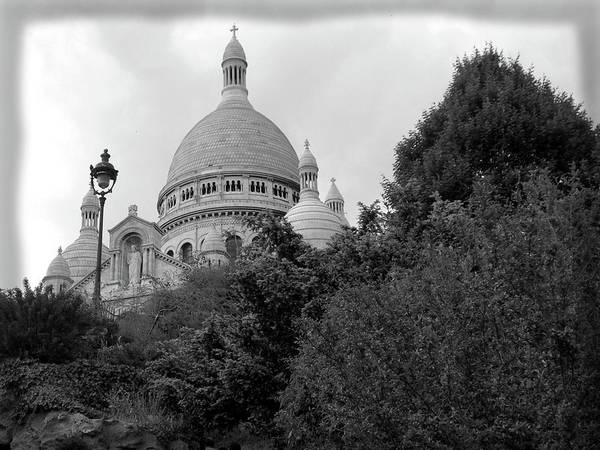 Autobus Photograph - Paris - Sacre Coeur Basilicia by Scott Carda