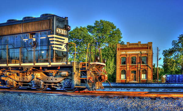Photograph - Passing Friends Norfork Southern Railway Locomotive 3318 by Reid Callaway