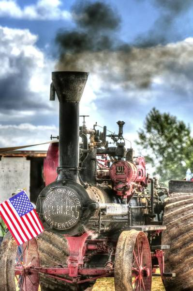 Photograph - Peerless Steam Tractor 3389 by Jerry Sodorff