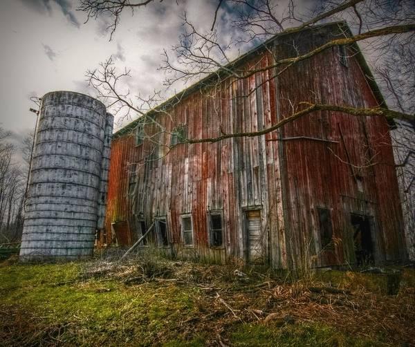 Amish Country Digital Art - Pennsylvania Barn by Linda Unger