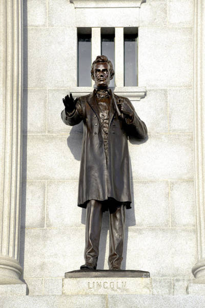 Wall Art - Photograph - Pennsylvania Monument - Lincoln by Paul W Faust - Impressions of Light