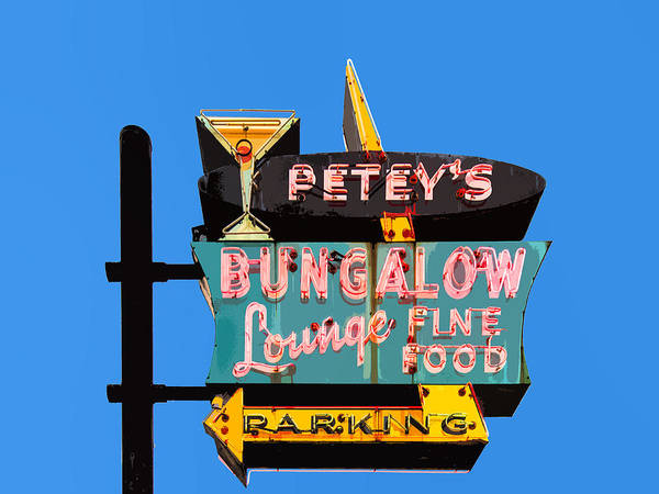 Cocktail Lounge Photograph - Petey's Bungalow Lounge by Dominic Piperata