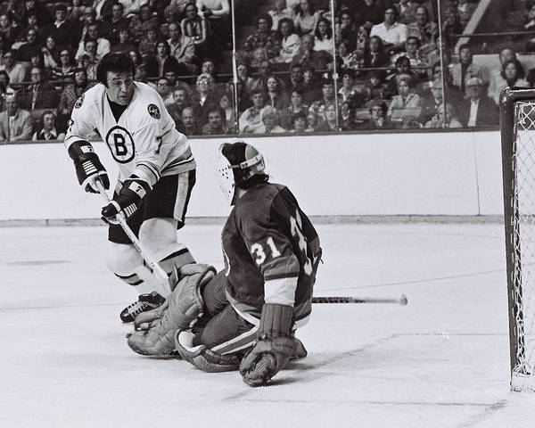 New York Islanders Photograph - Phil Esposito by Positive Images