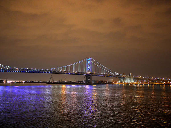 Photograph - Philadelphia - Ben Franklin Bridge At Night by Richard Reeve