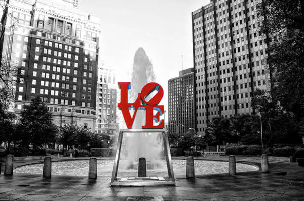 Wall Art - Photograph - Philadelphia - Love Statue - Slective Coloring by Bill Cannon