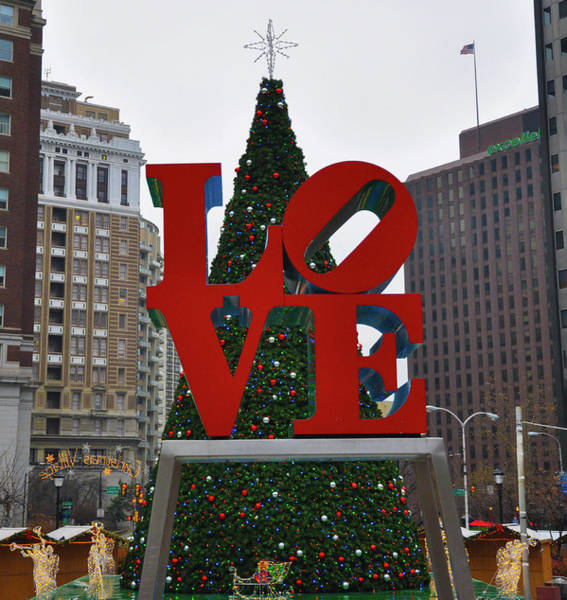 Wall Art - Photograph - Philadelphia Loves Christmas by Bill Cannon
