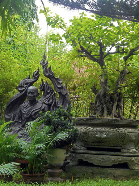 Vung Tau Photograph - Phu My Statues 7 by Ron Kandt