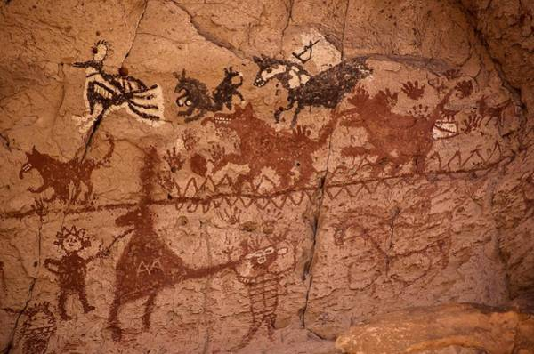 Photograph - Pictographs And Graffiti In Painted Cave by NaturesPix