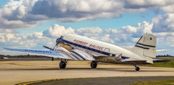Photograph - Piedmont Dc-3 by Greg Reed