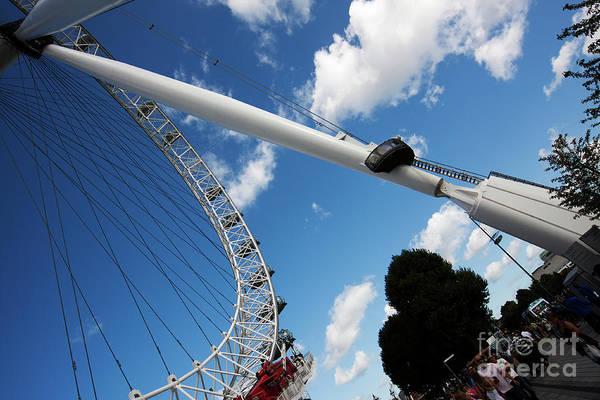 Photograph - Pillar Of London S Ferris Wheel  by Agusti Pardo Rossello