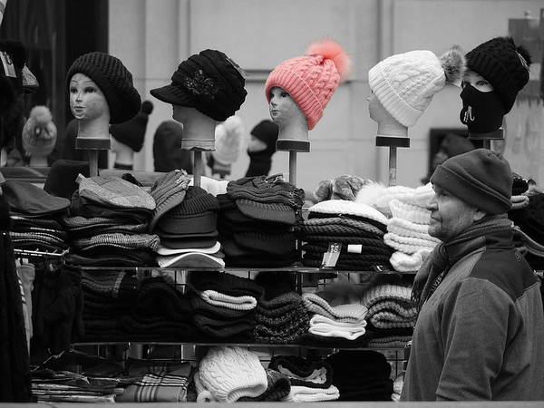 Photograph - Pink Hat by Richard Reeve