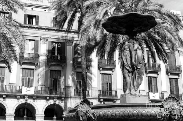 Photograph - Placa Reial Fountain In Barcelona by John Rizzuto