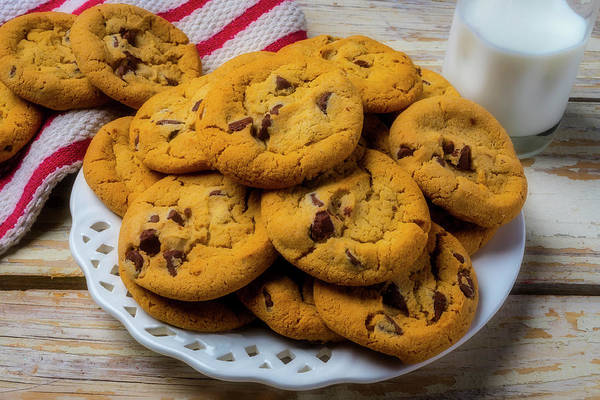 Chocolate Chips Wall Art - Photograph - Plate Of Chocolate Chip Cookies by Garry Gay