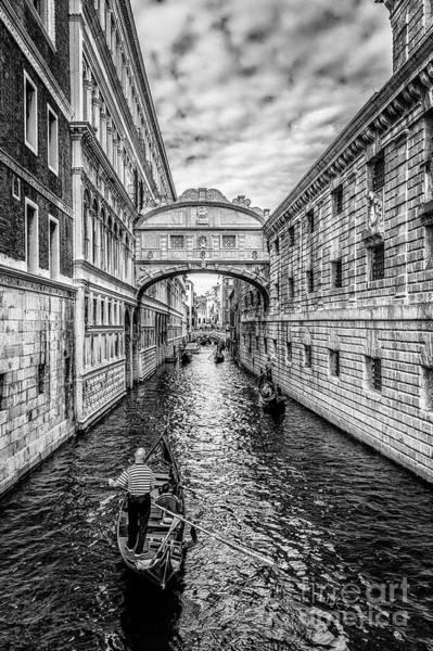 Photograph - Ponte Dei Sospiri, Venezia by Traven Milovich