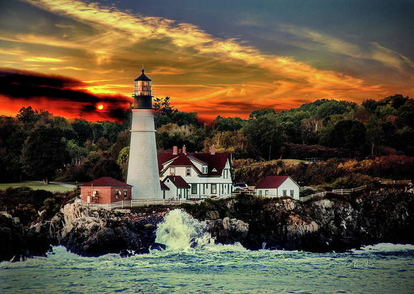 Foghorns Photograph - Portland Head Light by Russ Harris