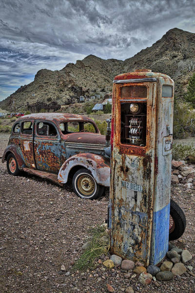 Photograph - Premium No 2 Diesel Pump by Susan Candelario