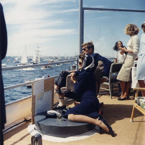 Wall Art - Photograph - President And Jacqueline Kennedy Watch by Everett