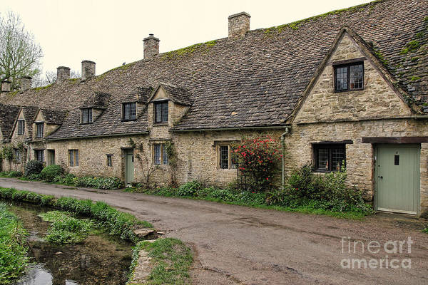 English Countryside Photograph - Pretty Cottages All In A Row by Jasna Buncic
