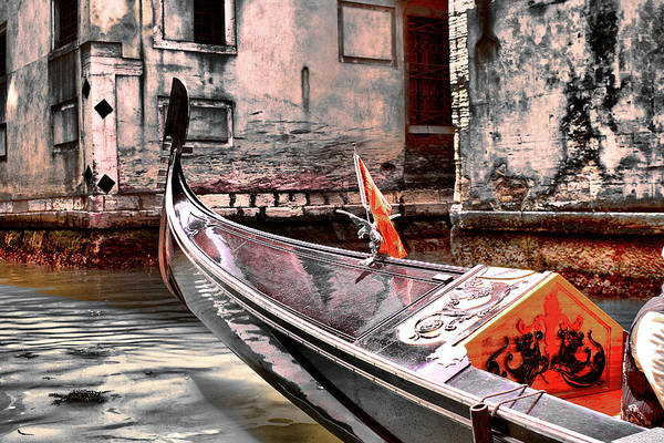 Photograph - Pride Of The Canals by Greg Sharpe
