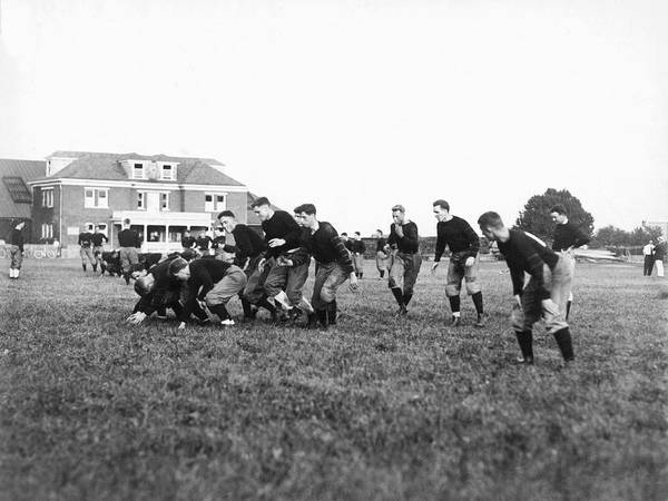 College Football Photograph - Princeton 1912 Football Team by Underwood Archives