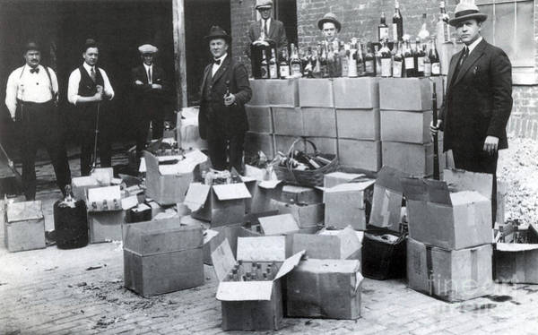 Temperance Movement Photograph - Prohibition, 1922 by Science Source