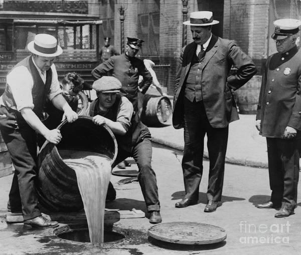Temperance Movement Photograph - Prohibition Agents Dump Liquor Into Sewar by Science Source