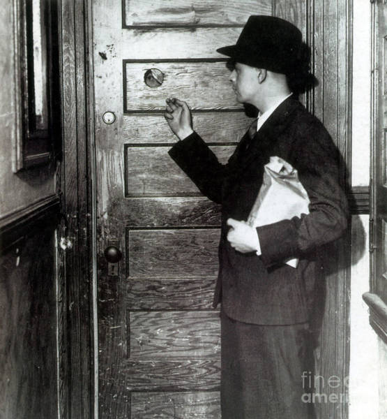 Wall Art - Photograph - Prohibition, Speakeasy Peephole, 1930s by Science Source