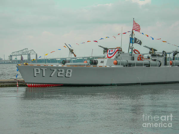 Photograph - Pt 728 Torpedo Gunboat by Dale Powell