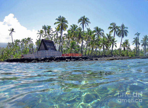 Photograph - Pu Uhonua - Place Of Refuge by Bette Phelan