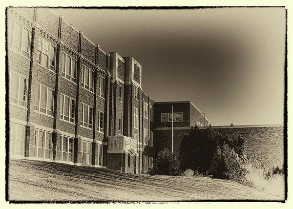 Photograph - Pullman High School - Vintage Look by David Patterson