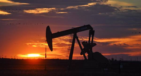 Pump Jack Wall Art - Photograph - Pump Jack Sunset Big Spring Texas by James Hall