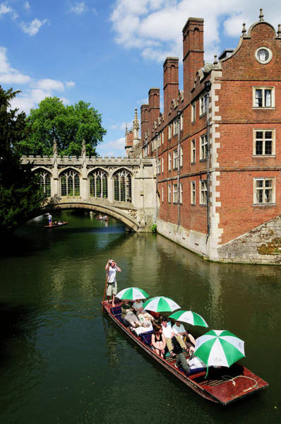 Wall Art - Photograph - Punting By The Bridge Of Sighs At St Johns College by Liz Pinchen