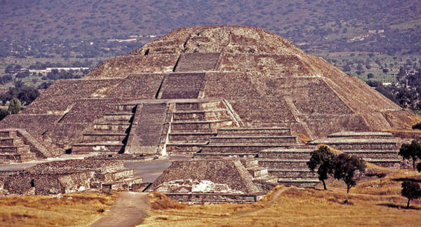 Sonne Wall Art - Photograph - Pyramid Of The Sun - Teotihuacan by Juergen Weiss