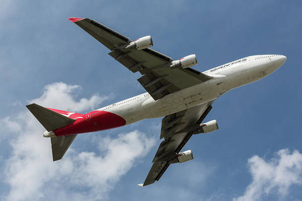 Photograph - Qantas 747 by John Daly