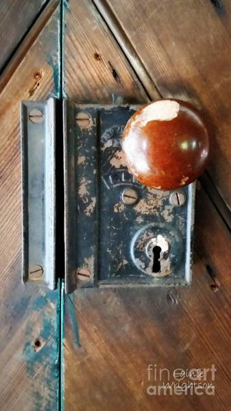 Lock Haven Wall Art - Photograph - Quaker Door Knob by Lainie Wrightson