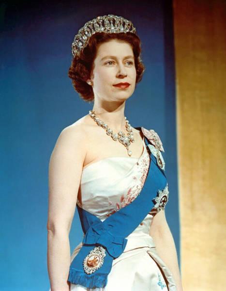 Wall Art - Photograph - Queen Elizabeth II, Coronation by Everett
