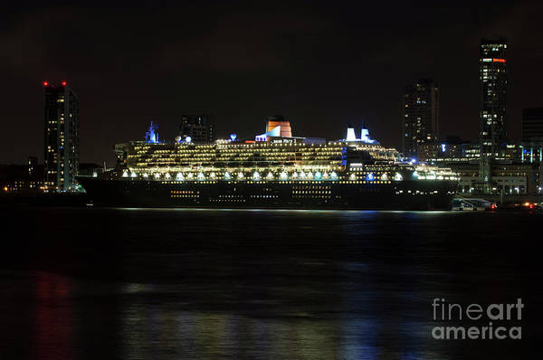 Photograph - Queen Mary 2 At Night In Liverpool by Paul Warburton