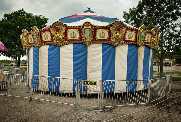 Photograph - Quiet Carousel by Bud Simpson